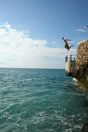 Rockhouse Hotel:                   Cliff Jumping