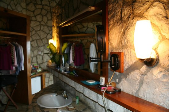 Rockhouse Hotel:                   Sink Area