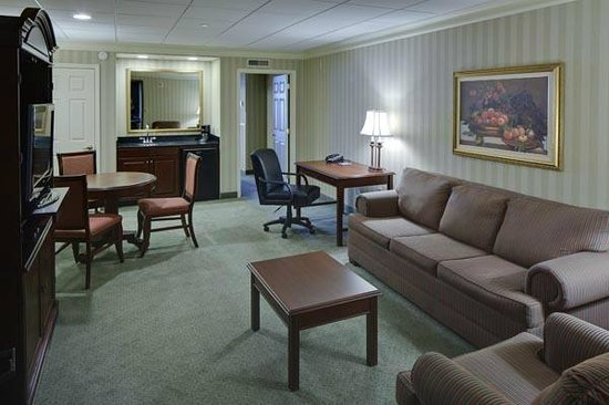 Executive Suite Living Room Picture Of Galt House Hotel