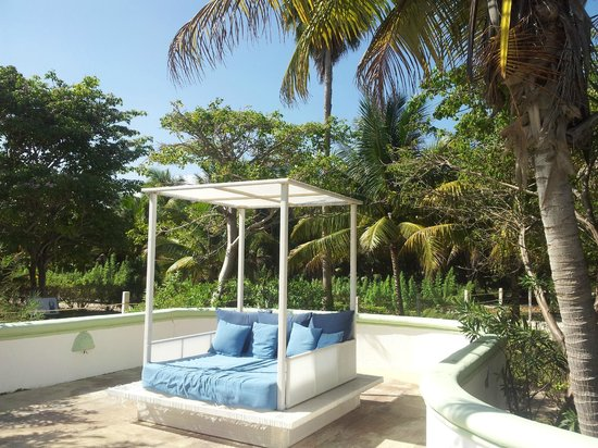 Hotel Akumal Caribe: Pool bed