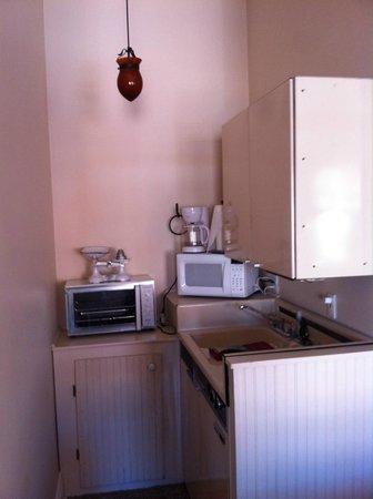 Nobody's Inn : Mini-kitchen