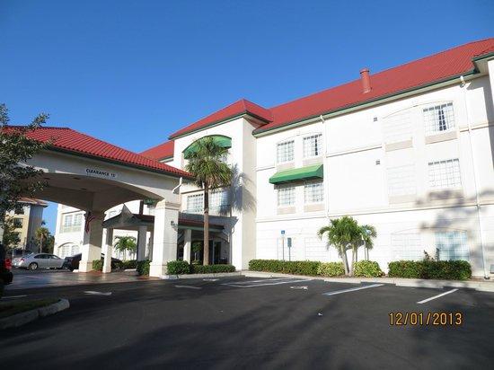 La Quinta Inn & Suites Fort Myers Airport:                   Fachada