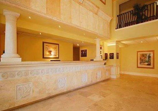 Comfort Inn: Lobby Entrance