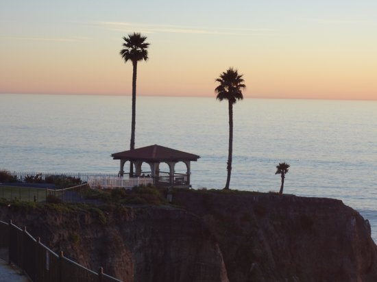 Shore Cliff Hotel:                   The gazebo at sunset (-: