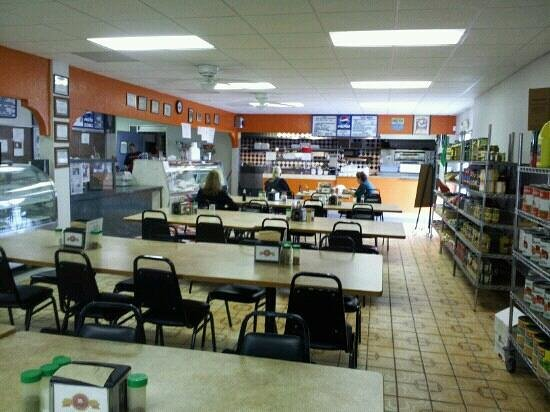 Leone Italian Food Specialty: Dinning area.
