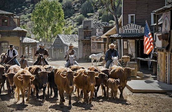 Driving the cattle - Picture of Sioux City Park, San Bartolome de Tirajana - ...