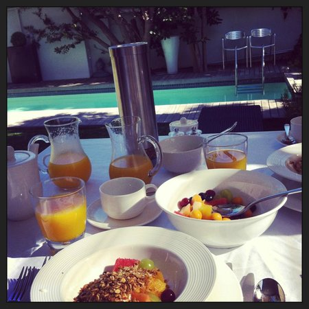 twentytwo:                   Breakfast by the pool