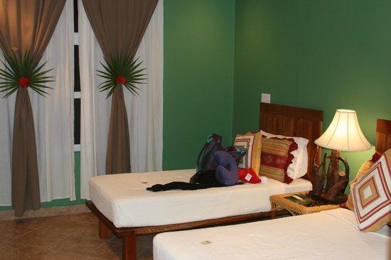 Grand Caribe Belize Resort and Condominiums:                   2nd bedroom