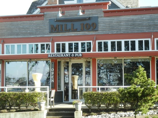 Mill 109 Restaurant and Pub: Street View with Outdoor Patio for Summer