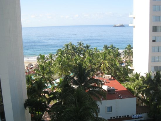 Sunscape Dorado Pacifico Ixtapa: Vue de notre chambre (vue partielle)