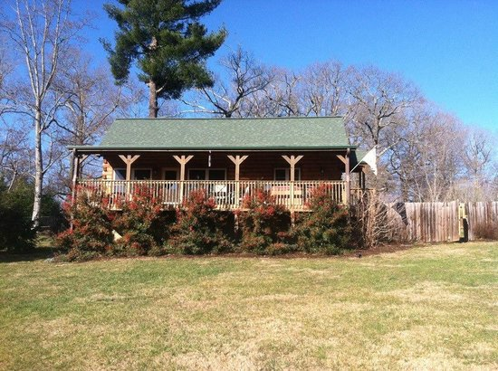 Barkwells, The Dog Lovers' Vacation Retreat:                   Lacey's cabin