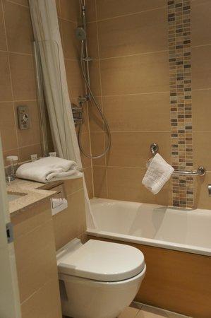 Mercure London Bloomsbury: La salle de bains