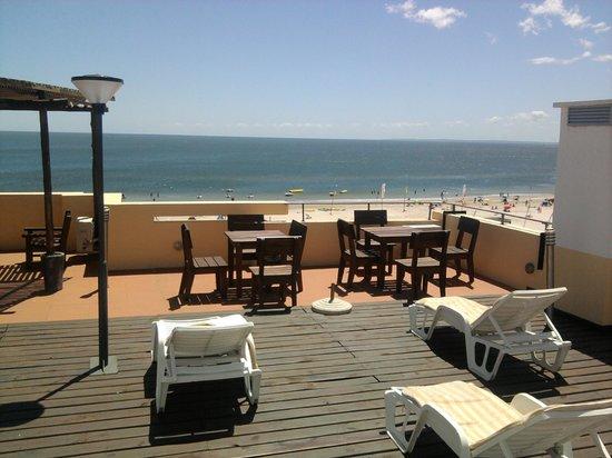 Foto de hotel bakari piri polis terraza el lounge bar no funciona tripadvisor - Dekzeil terras balkon ...