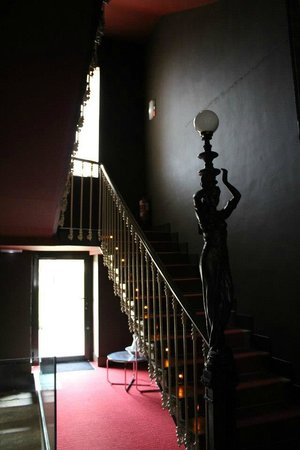 Villa Clementina Hotel: Subida a las habitaciones.