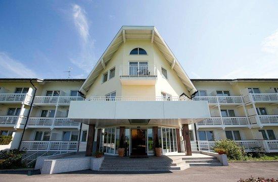 Momentum Hotel: Hotel