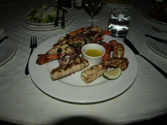 Almanara Luxury Villas:                   Seafood platter                 