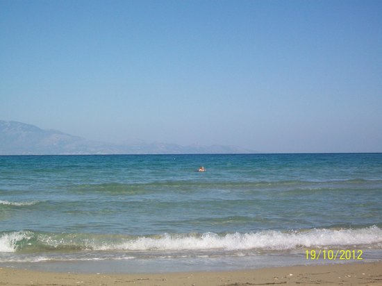 Alykanas Village Hotel:                   Beach