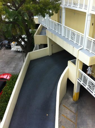 The Reach Key West, A Waldorf Astoria Resort: Access to car park under rooms