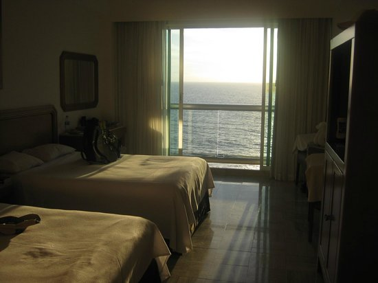 Ocean Breeze Nuevo Vallarta:                   Clean rooms, comfortable beds