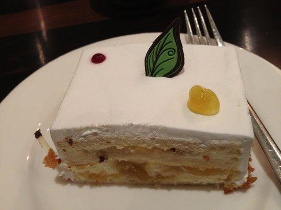 Radisson Blu Hotel Noida:                   Pineapple cake