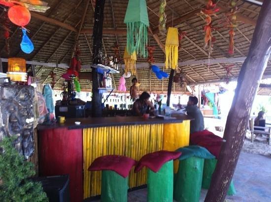 Lanta L.D. Beach Bungalows: le bar des pirates ..