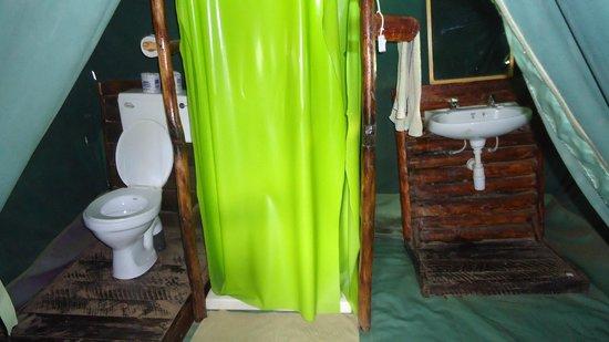 Kibo Safari Camp: il bagno all'interno della tenda