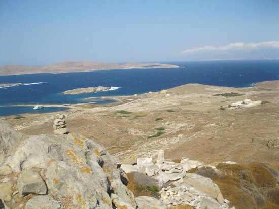 Delos island ancient harbour - Picture of Mount Kynthos ...