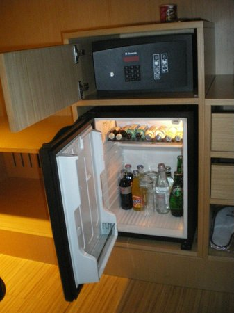 Axel Hotel Barcelona: Mini Bar