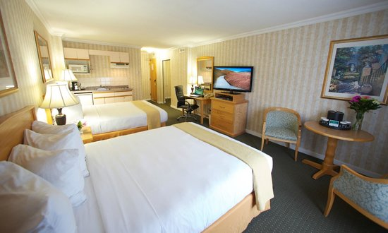Quality Inn Downtown Inner Harbour : Double Queen with Kitchen