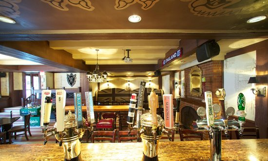 Quality Inn Downtown Inner Harbour: Smiths Pub