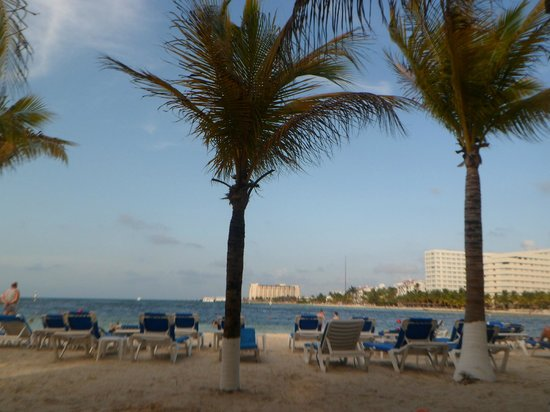 Occidental Costa Cancun:                   dawn