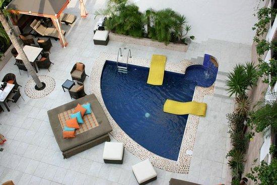 Casa Cupula: Alberca donde hay más ambiente.