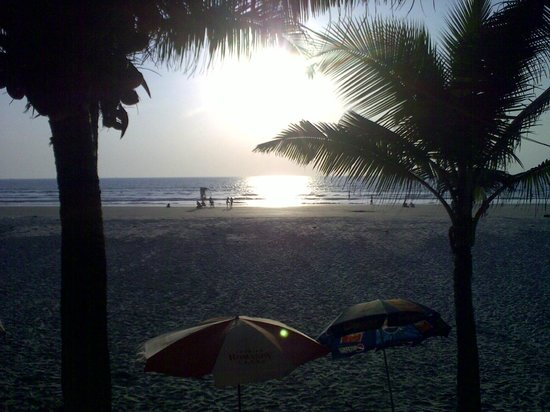 Furtado's Beach House:                   Вид из ресторана на пляж