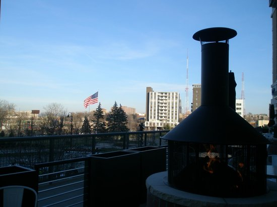 Outdoor Patio With Fire Pits Overlooking Turner Park Picture Of Black Oak Grill Midtown Crossing Omaha Tripadvisor