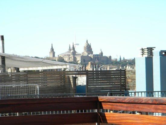Lleo Hotel: Vista dalla terrazza con piscina