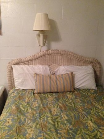 Buena Vista Inn : I slept good in this bed!