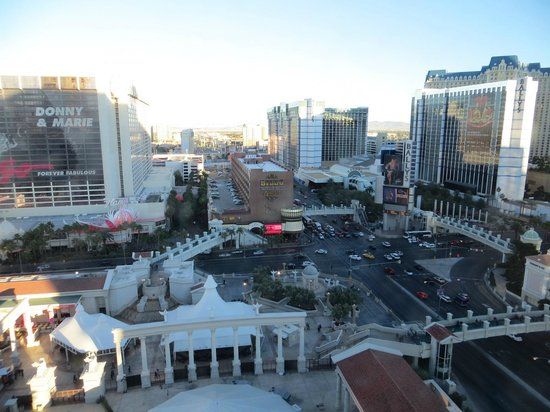 Caesars Palace:                   view left