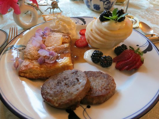 Ashford Manor Bed and Breakfast: Breakfast. So good!