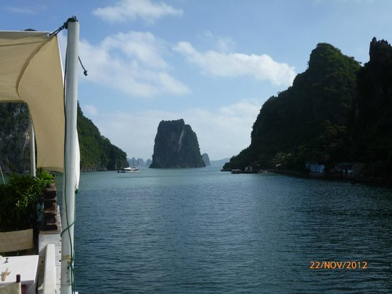 Fascinating Halong Bay Private Cruise Day Tour:                                     cruising in the bay