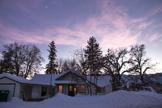North Cascades Mountain Hostel: Winter at the Hostel!