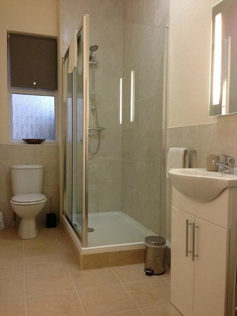 Kingsholm Hotel: Room 4 - Bathroom