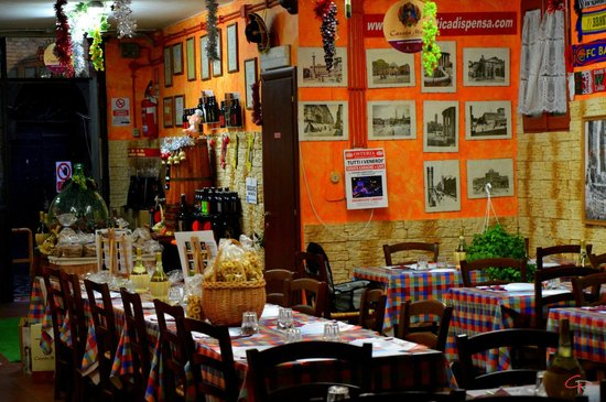 Osteria Antica Dispensa : ampia sala