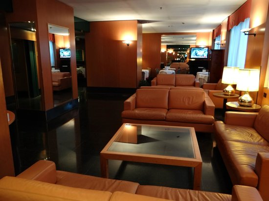 UNA Hotel Century: lobby