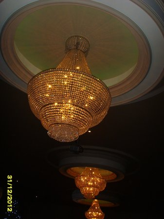 Silver Tassie Hotel & Spa:                   lovely lighting in the function room
