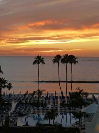 Guayarmina Princess Hotel :                   stunning sunset from our balcony
