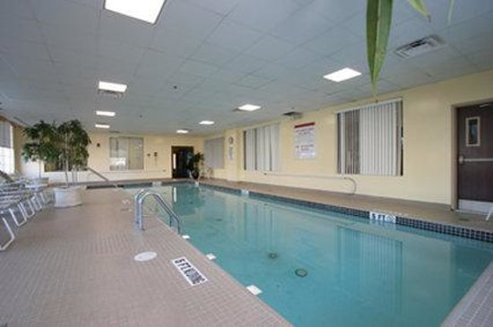 Holiday Inn Budd Lake-Rockaway Area: Swimming Pool