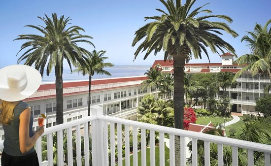 Hotel del Coronado: Overlooking the Garden Patio