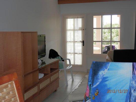 Caribbean Palm Village Resort: Living Room: Entertainment Set/TV