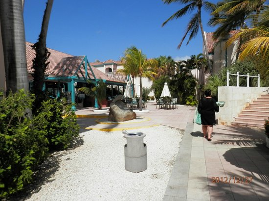 Caribbean Palm Village Resort: Peaceful grounds regardless of day/time