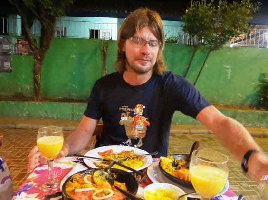 Ponto de Encontro: moqueca e paella, cada prato para uma pessoa..